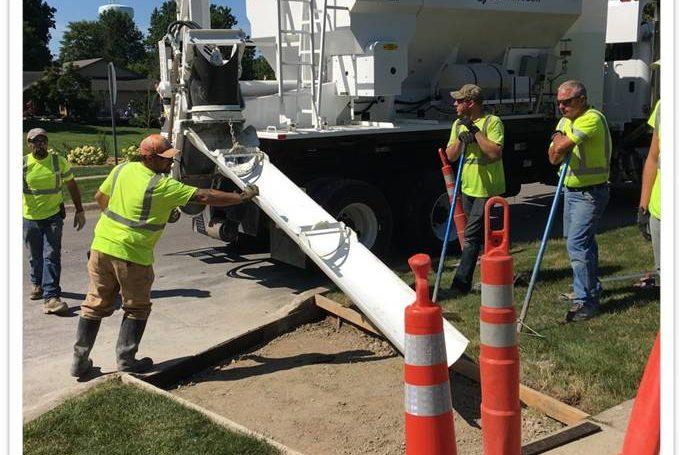 Hook Lift on Mobile Concrete Mixer