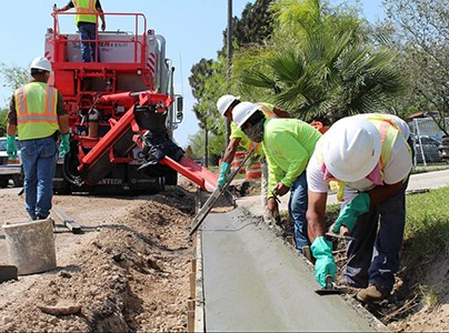 G Amp T Paving Workers Finishing Concrete Curbs Cemen Tech